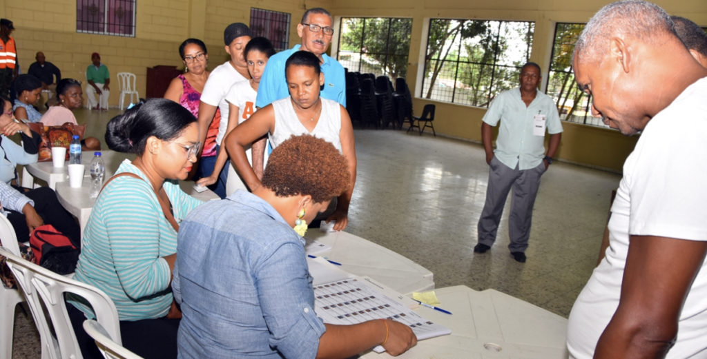 PLD realiza elecciones preprimarias en SDN